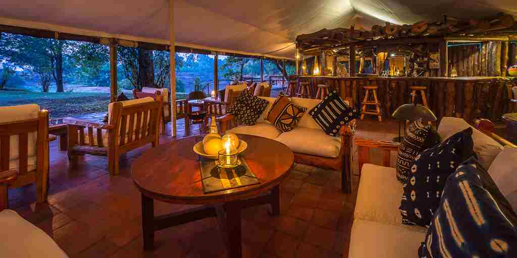 living-room-bar-governors-camp-kenya.jpg
