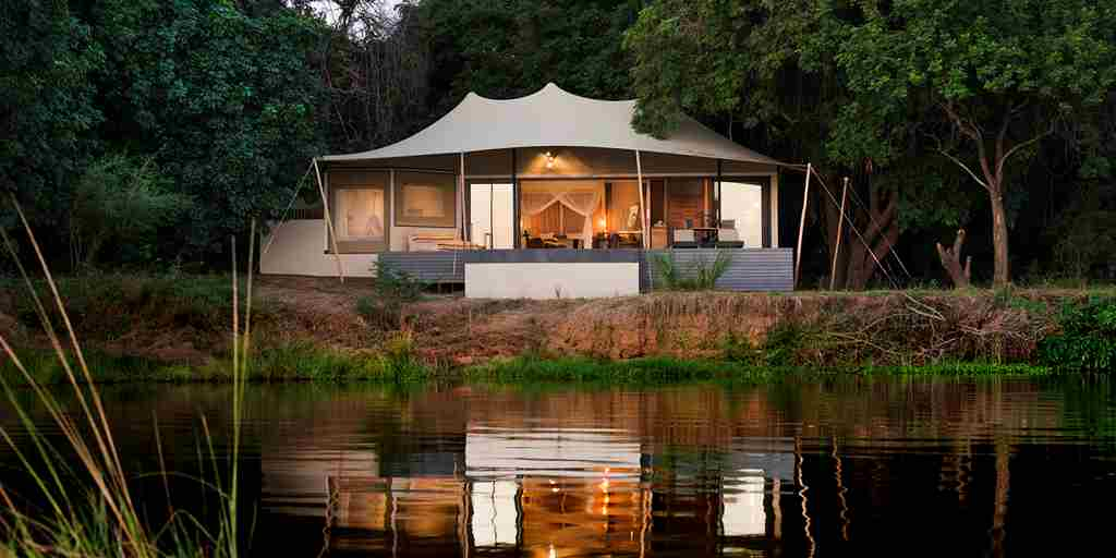 Luxury-Suite-Zambia.jpg