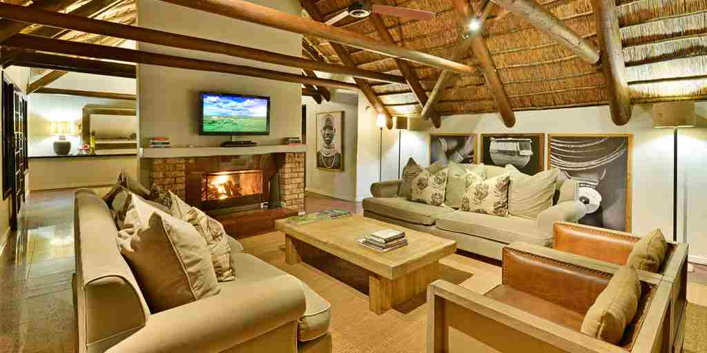 lounge-lobengula-lodge-south-africa.jpg