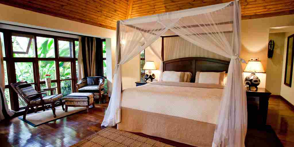 4. Legendary Lodge   Cottage bedroom interior