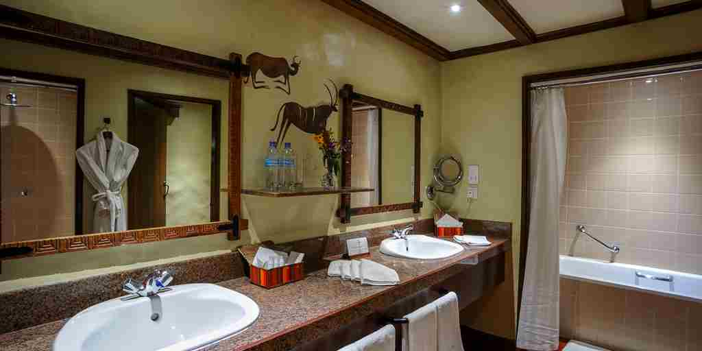 Serena-Ngorongoro-Suite-Bathroom.jpg
