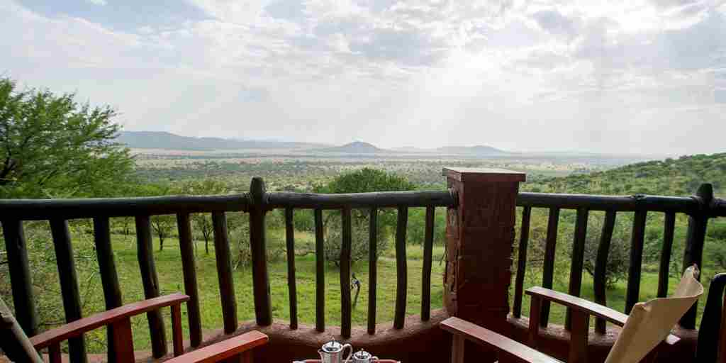 serena serengeti balcony view