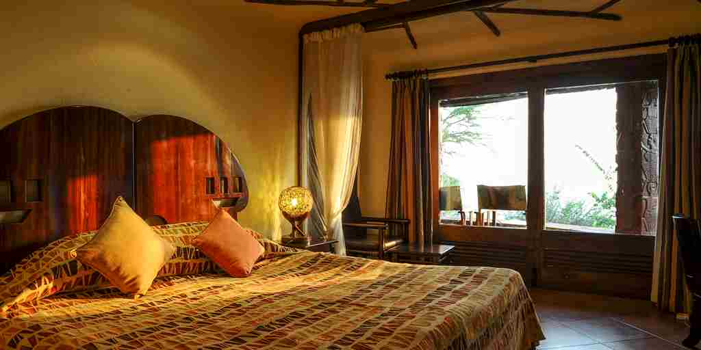 serena-serengeti-double-bedroom-interior.jpg