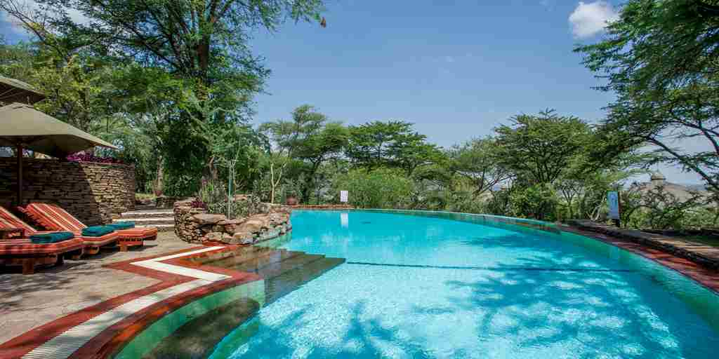 serena-serengeti-pool-vieew.jpg