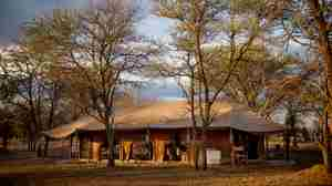 Serian Serengeti Kusini outside view tent