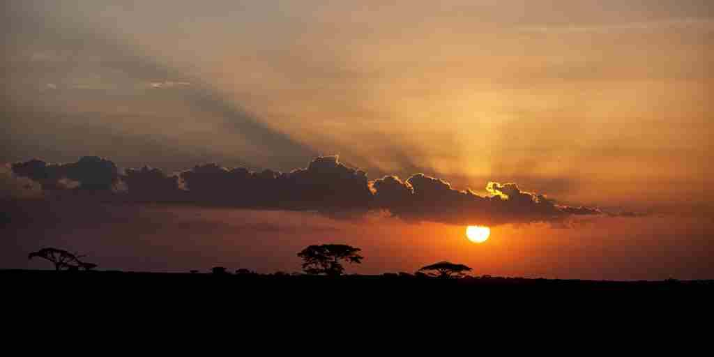 serian-serengeti-kakessio-wetu-sunset-view-sundowners.jpg