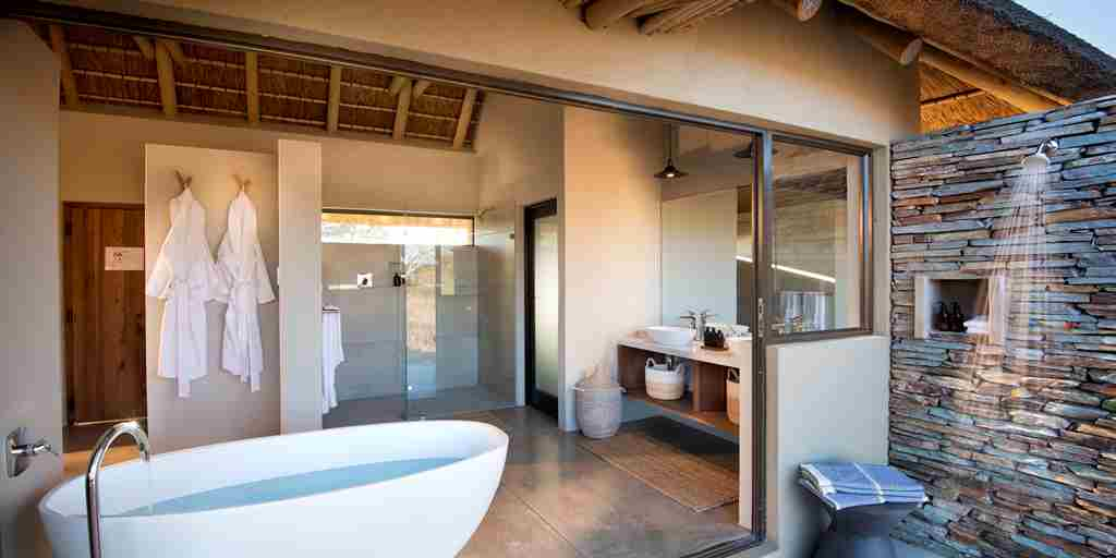 rockfig-safari-lodge-bathroom.jpg