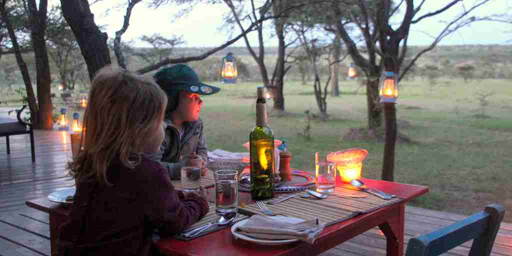 Mara Bush Houses kids ready outdoor dinner