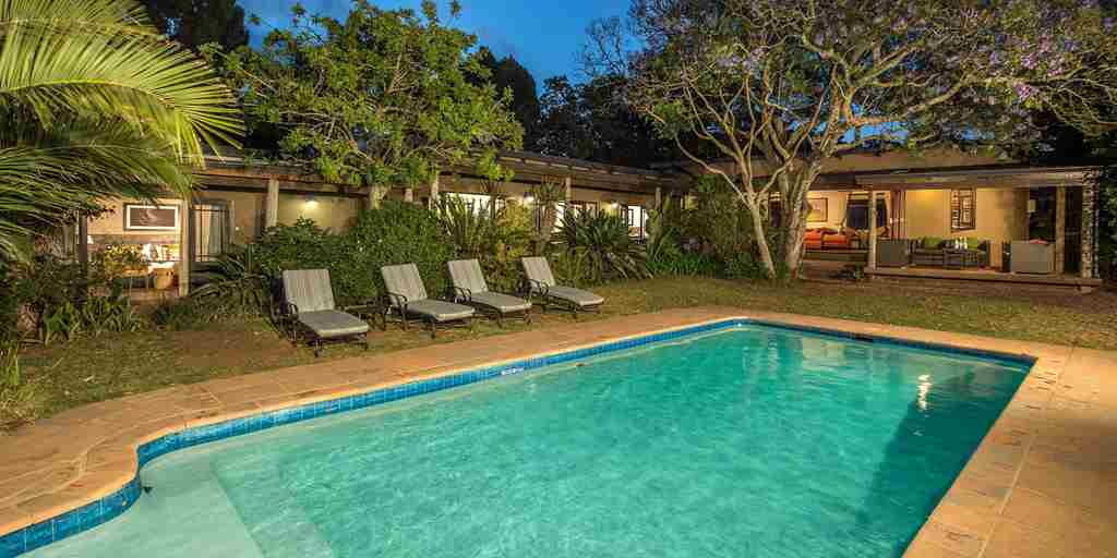 swimming-pool-garden-kariega-the-homestead-south-africa-yellow-zebra-safaris.jpg