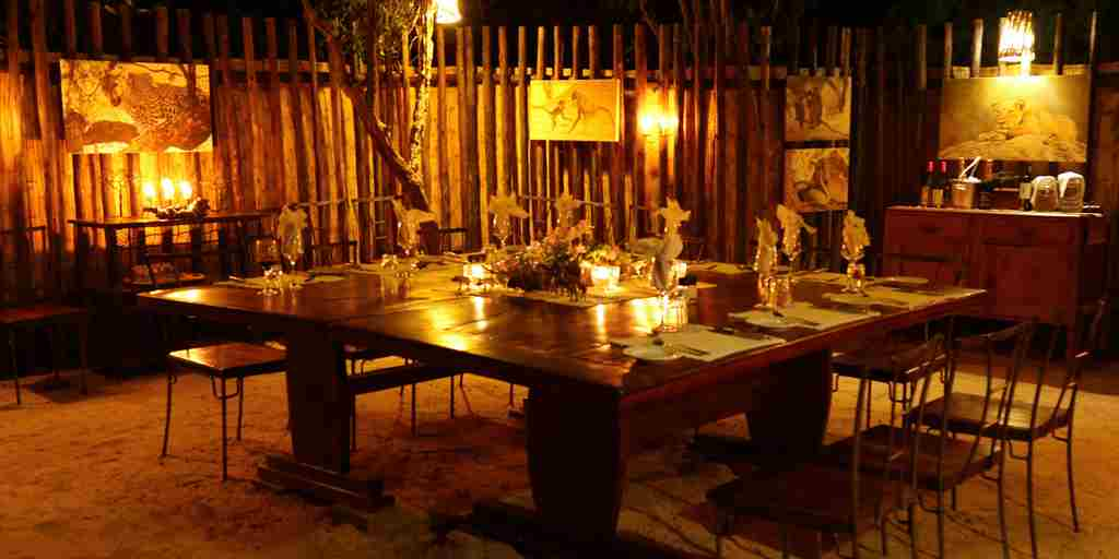 Stretch-Ferreira-Safaris-candle-lit-dinner.jpg