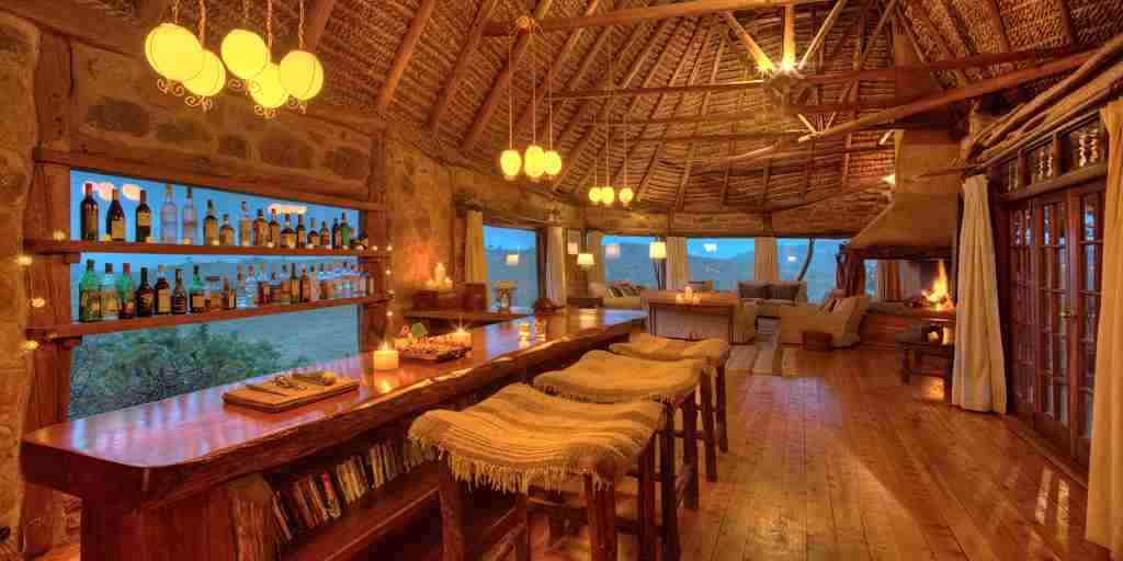 borana-lodge-bar.jpg