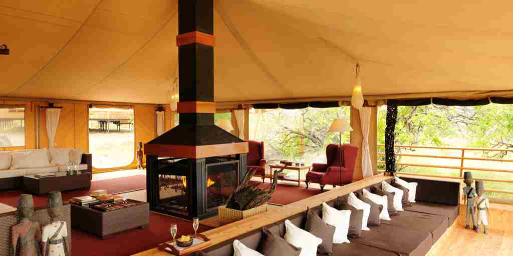lounge-area-serengeti-bushtops-game-drive-tanzania-yellow-zebra-safaris.jpg