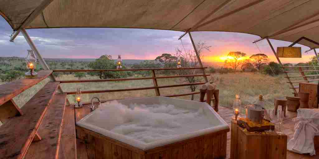 sunset-jacuzzi-serengeti-bushtops-game-drive-tanzania-yellow-zebra-safaris.jpg