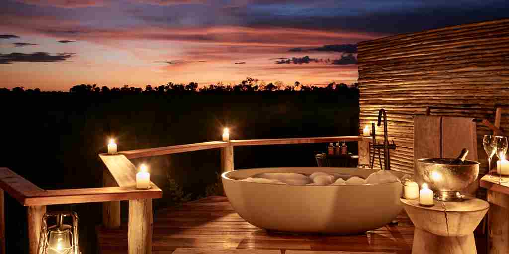 outdoor-bathroom-sanctuary-baines-camp-moremi-botswana-yellow-zebra-safaris.jpg