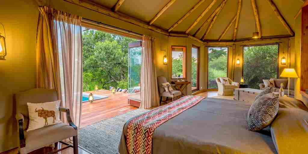 salas-camp-honeymoon-tent-kenya.jpg