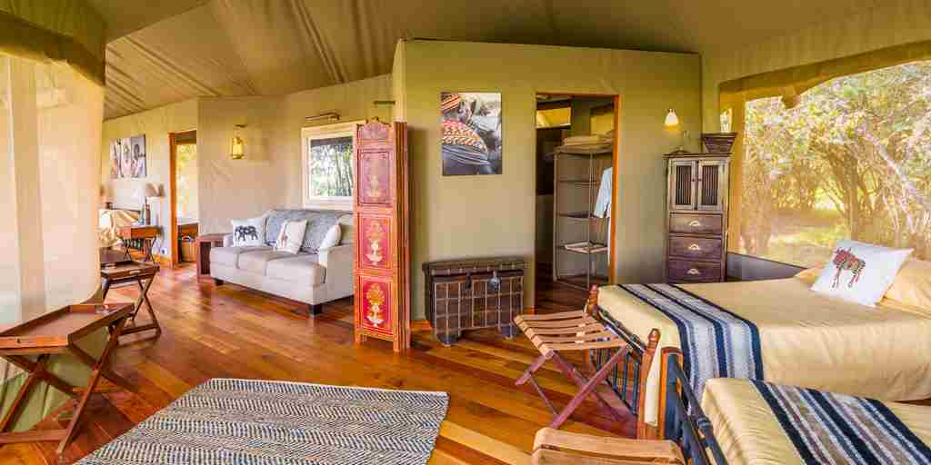 salas-camp-twin-room-kenya.jpg