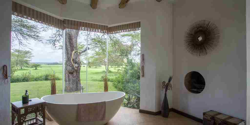 Solio Lodge Bathroom Kenya