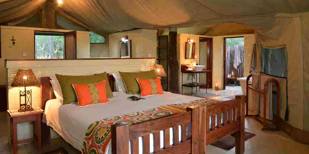 the-hide-twin-bed-room-zimbabwe.jpg