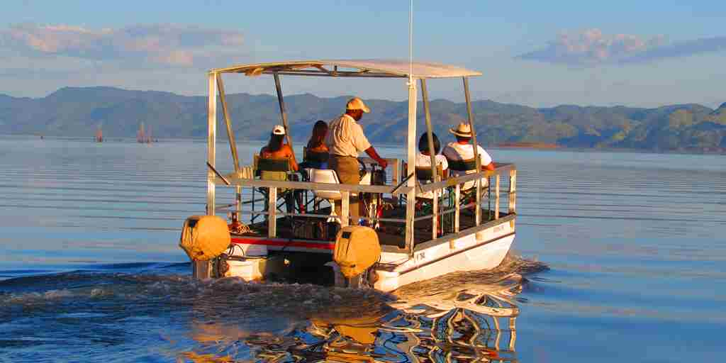 changa-boat-activity-zimbabwe.JPG
