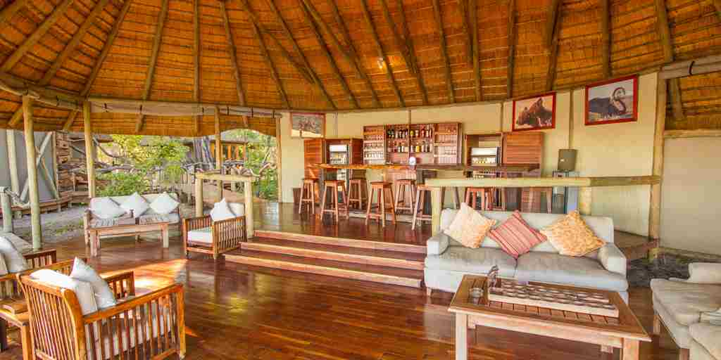 kwando-lagoon_bar-and-lounge.jpg
