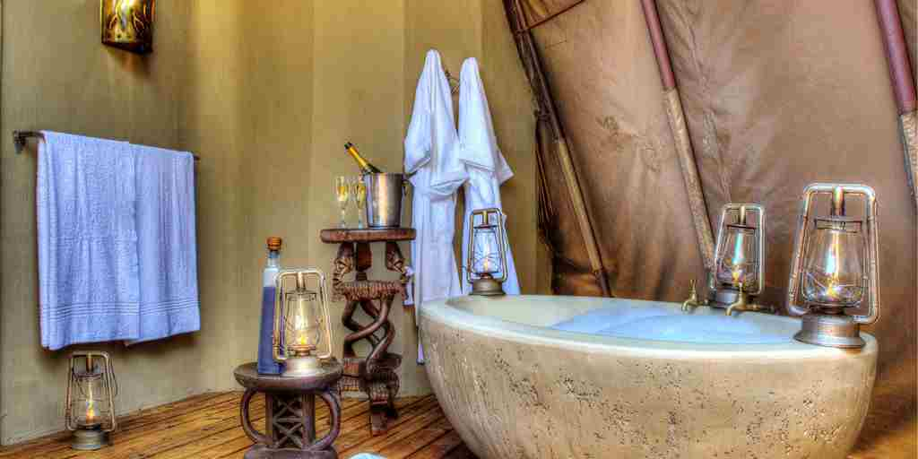Okuti-Botswana-bath-honeymoon.jpg