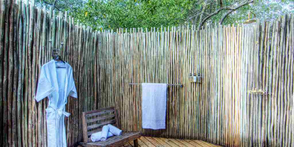 Okuti-Botswana-open-shower.jpg