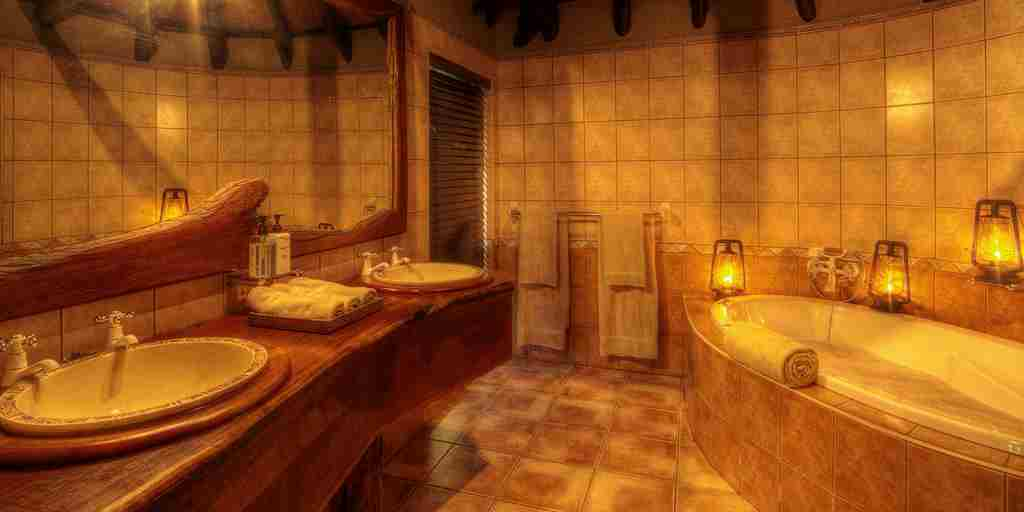 Chobe-Savanna-Lodge-Bathroom.jpg