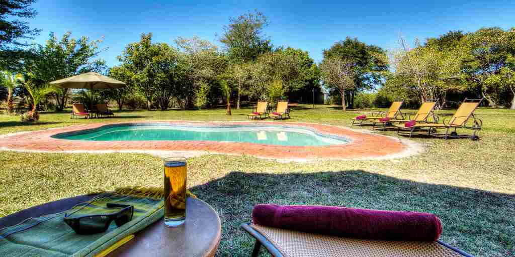 Chobe-Savanna-Lodge-pool.jpg