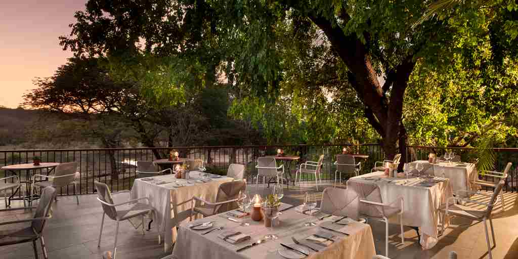restaurant-stanley-and-livingstone-hotel-zimbabwe-yellow-zebra-safaris.jpg
