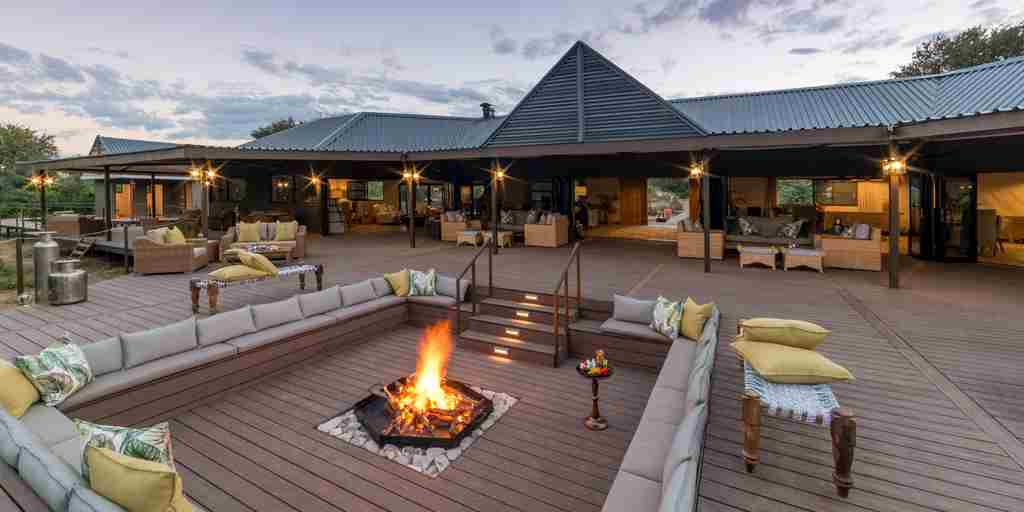 Old-Drift-Lodge-fire-pit.jpg