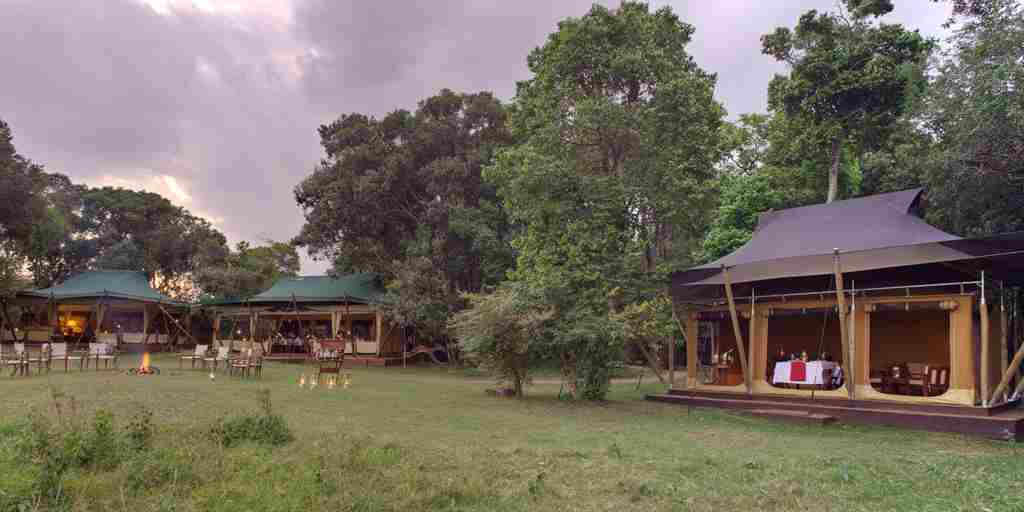 Elephant Pepper Camp - Dining, Lounge & Private Dining Tent (1).jpg