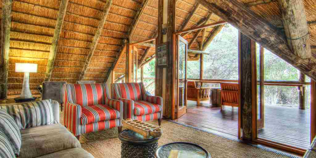 Savute-Safari-Lodge-Upstairs-Library.jpg (1)