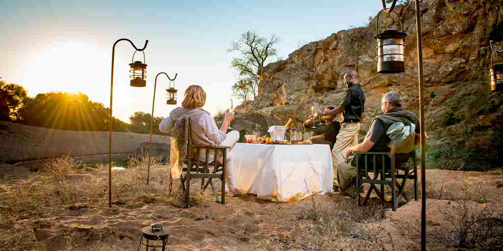 Simbavati-River-Lodge-Dining.jpg