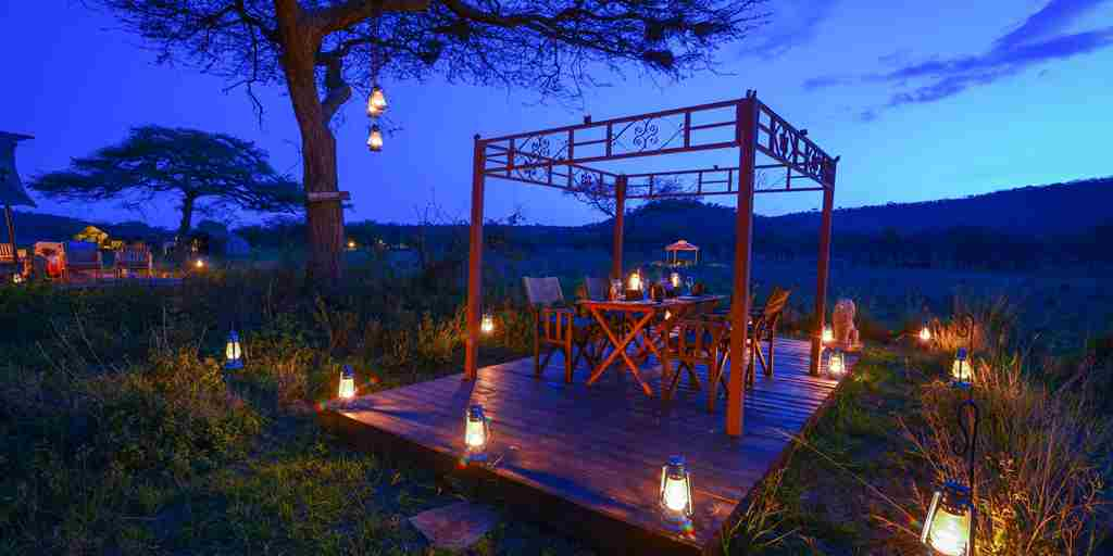 asanja-moru-tanzania-Gazebo-Dinner-night.jpg
