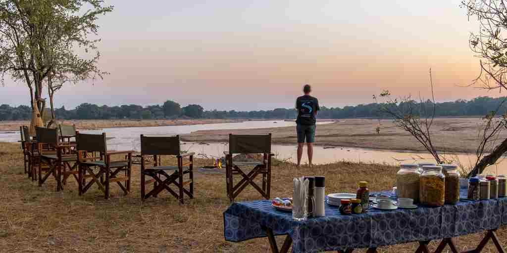 breakfast-at-takwela-camp-zambia-yellow-zebra-safaris.jpg