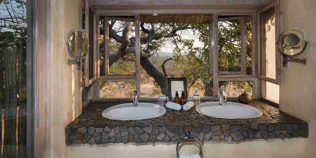 bathroom-ongava-lodge-namibia-yellow-zebra-safaris.jpg