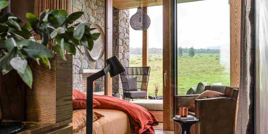 singita-kataza-house-rwanda-suite-yellow-zebra-safaris.jpg