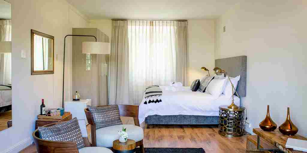 bedroom-macaron-boutique-guest-house-south-africa-yellow-zebra-safaris.jpg