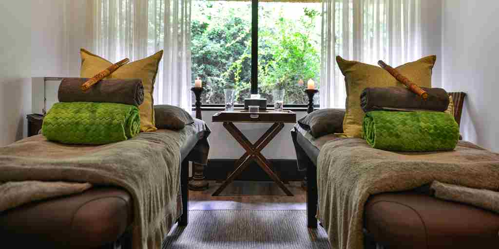 shamwari bayethe lodge south africa spa beds yellow zebra safaris