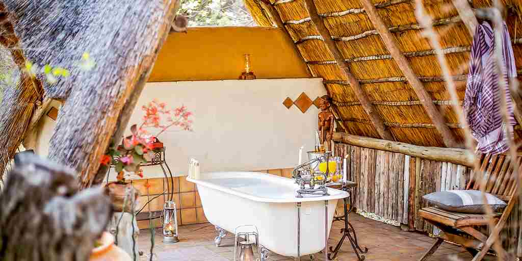 the-hide-safari-camp-honeymoon-bathroom-zimbabwe-yellow-zebra-safaris.jpg