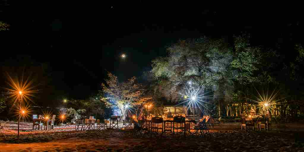 changa-safari-camp-beach-dinner-zimbabwe-yellow-zebra-safaris.jpg