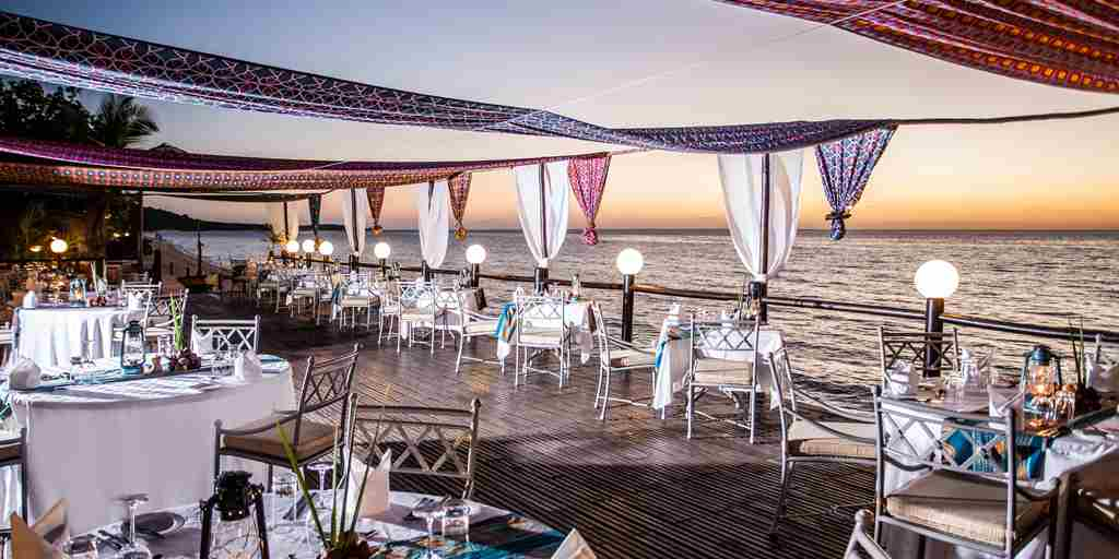 antantara-bazaruto-island-resort-spa-deck-dinner-mozambique-yellow-zebra-safaris.jpg