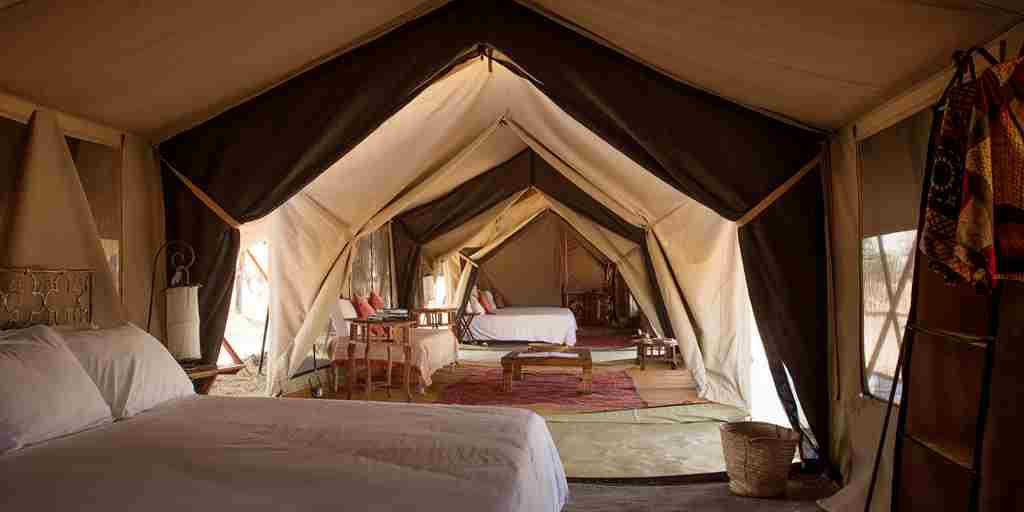 Serian-Serengeti-Kusini-inside-interior-of-tent.jpg (1)