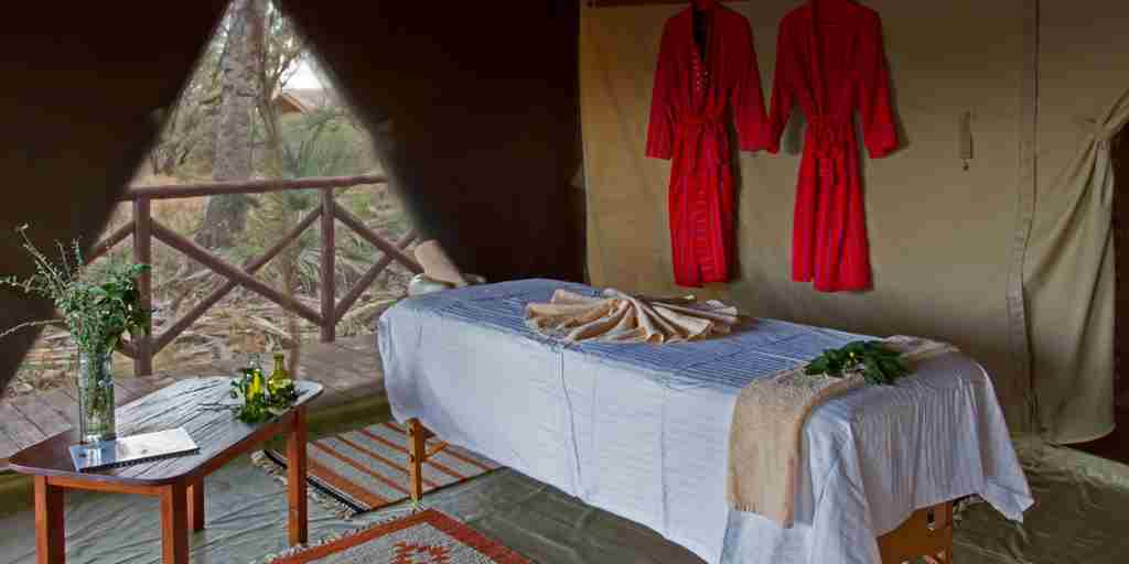 elephant-bedroom-camp-spa-kenya-yellow-zebra-safaris.jpg