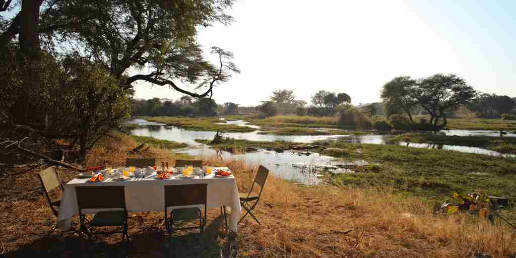 jongomero-camp-tanzania-bush-breakfast-yellow-zebra-safaris.jpg