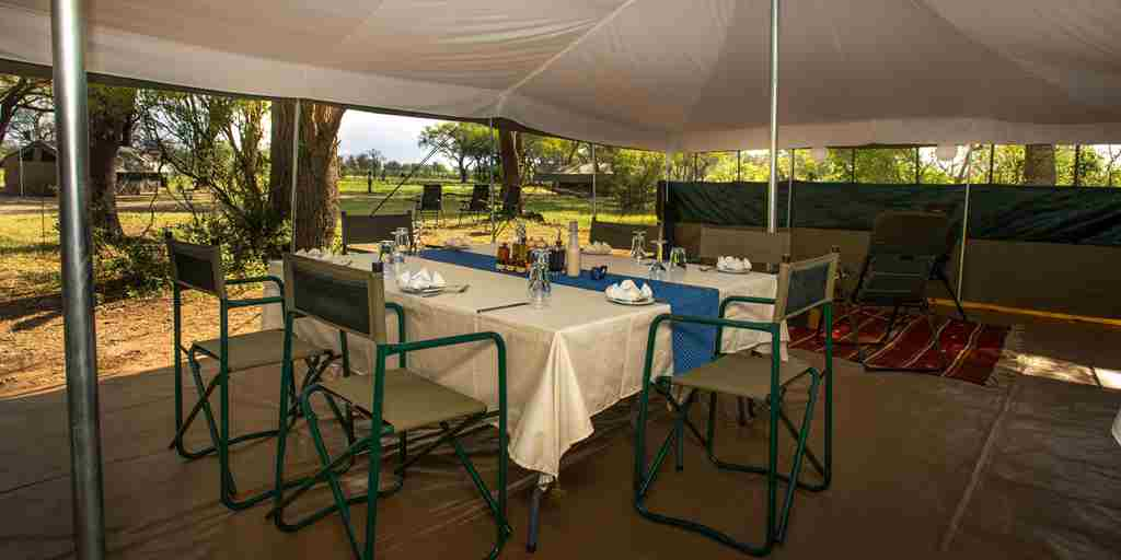 golden-africa-safaris-dining-area-botswana-yellow-zebra-safaris.jpg