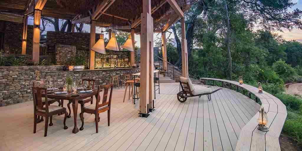 seseka-tented-camp-decking-south-africa-yellow-zebra-safaris.jpg