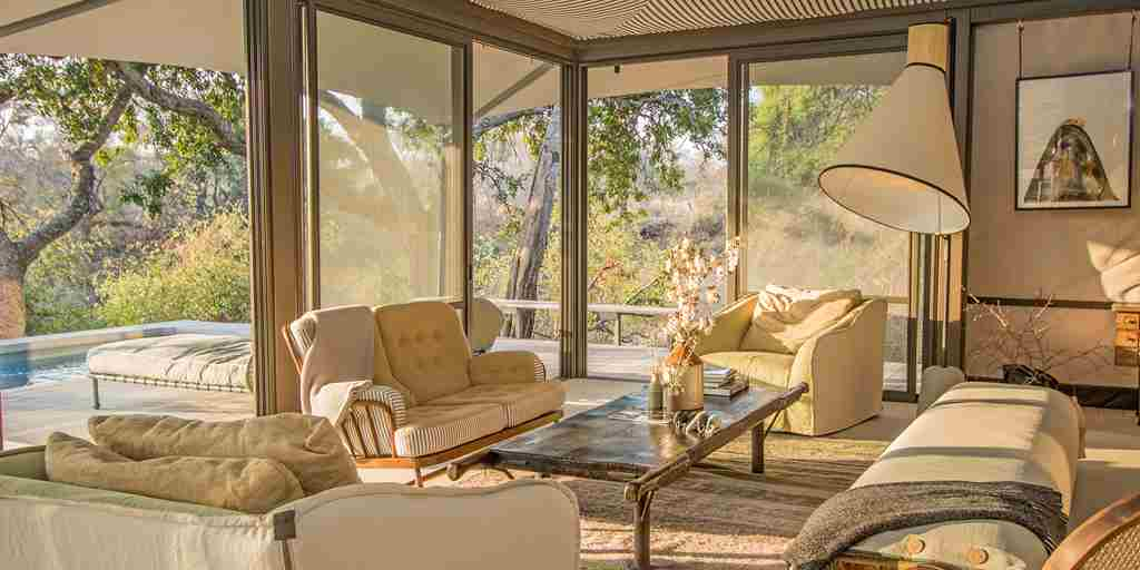 seseka-tented-lounge-view-south-africa-yellow-zebra-safaris.jpg