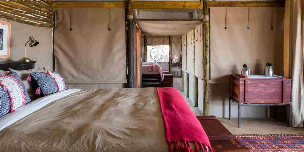 meno a kwena double room botswana yellow zebra safaris