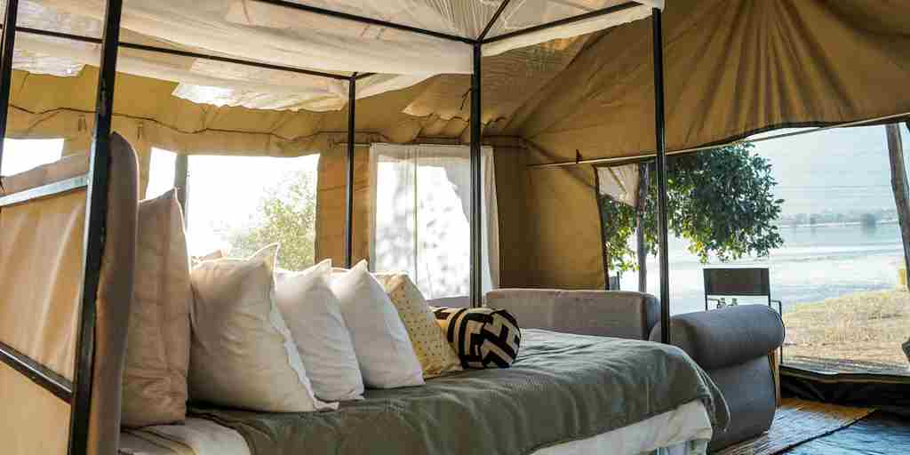 little-vundu-camp-bedroom-view-zimbabwe-yellow-zebra-safaris.jpg
